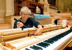 #NBSSalumni Barbara Pease Renner PT '78 has been tuning pianos at Worcester's #MechanicsHall since the 1990s, plus work on instruments at #Tanglewood. She chatted w/@telegramdotcom about working w/the world's best musicians & why Mechanics Hall is revered. hubs.ly/H0mDPKG0 10:09 AM - 24 Jan 2020 Sunday Sitdown: Barbara Pease Renner, Mechanics Hall piano technician Barbara Pease Renner joked she became interested in piano tuning as a teenager to impress her mom. Today, she's impressed the world's top pianists who perform and record on the instruments she cares... Telegram & Gazette Telegram & Gazette @telegramdotcom