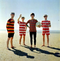 Reloaded twaddle – RT @BestMusicLyric: The Beatles on the beach in 1963 https://t.co/2ctQtxKsyz