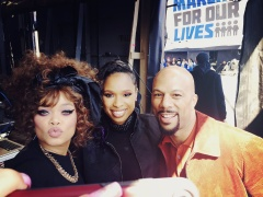 Reloaded twaddle – RT @AndraDayMusic: Andra Day backstage @AMarch4OurLives with @IAMJHUD and @commo...
