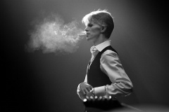 Reloaded twaddle – RT @lespaul55_57: David  Bowie smoking a Gitanes cigarette ©Andrew Kent, 1976 ht...