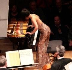 Reloaded twaddle – RT @AtelierR_Umetsu: Pianist Yuja Wang at the @philharmonie last night wearing #...