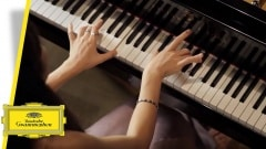 @DGclassics Follow A beautiful&calm interpretation. @AliceSaraOtt plays Beethoven - Piano Sonata no. 3 in C major, op. 2 no. 3, 2. Adagio youtube.com/watch?v=lzDVbX…